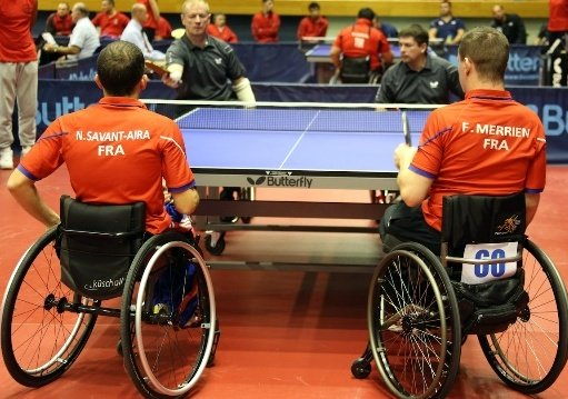 Table tennis doubles rules for wheelchair users
